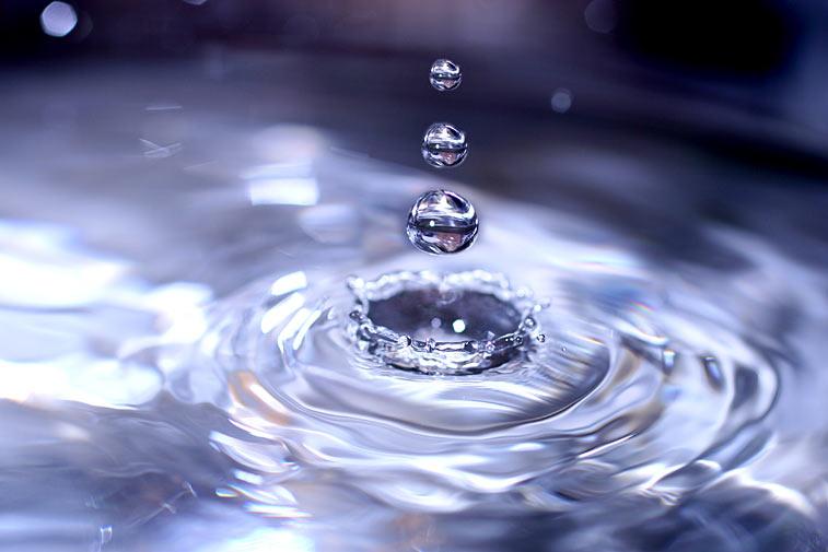 Wassertropfen Spritzer