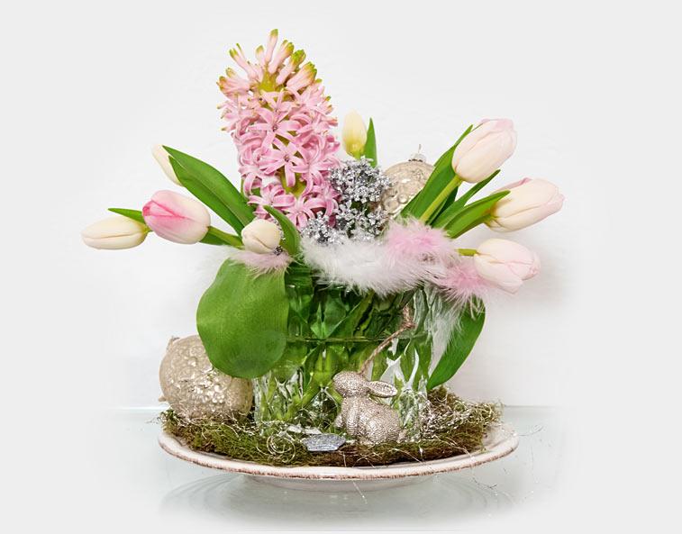 Osterstrauß Tulpen Hyazinthen