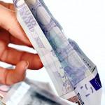 Euroschein Papierflieger