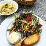 Ziegenkäse Baguette Salatbukett Kartoffelsalat