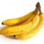 Reife Bananen mit Punkten