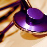 Arzt Stethoskop lila