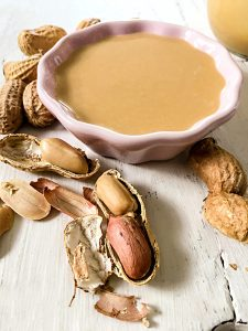 Selbstgemachte Erdnussbutter Erdnussmus Erdnüsse