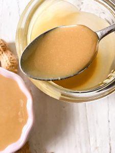 Selbstgemachte Erdnussbutter Erdnussmus Erdnüsse Löffel