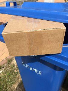 Paket Abstellgenehmigung Papiermülltonne Warnung