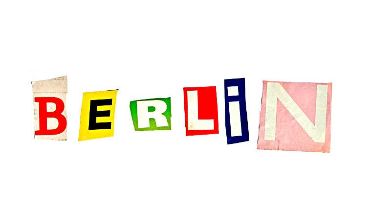 Berlin ausgeschnittene Zeitungs-Buchstaben