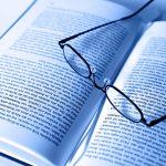 Lesebrille Buch blau