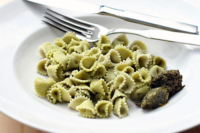 Bärlauch-Nudeln Pesto