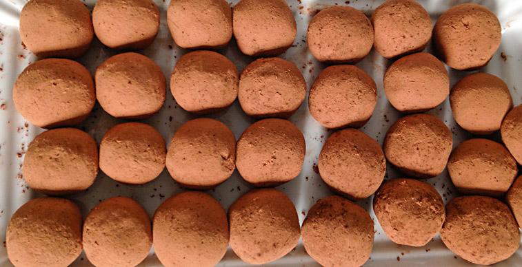 Rohe Marzipan-Kartoffeln Rohkost