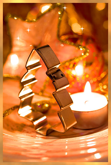 Weihnachtsplätzchen Ausstechförmchen Tanne Weihnachtskarte gold