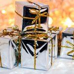Silberne Weihnachtsgeschenke Weihnachtspäckchen