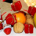 Nikolaus-Sack Nüsse Schokolade Orangen Äpfel