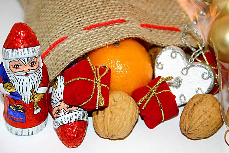 Nikolaus-Sack Nüsse Schokolade Orangen Herz