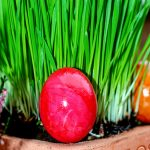Ostereier im Blumentopf verstecken
