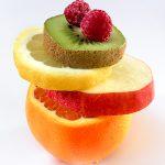 Obst-Stapel gestapelte Früchte Vitamine