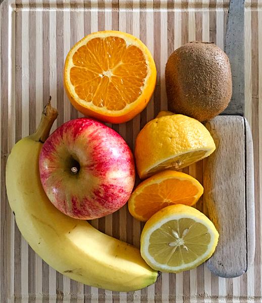 Frühstücks-Obst Zitrone Orange Apfel Kiwi Banane