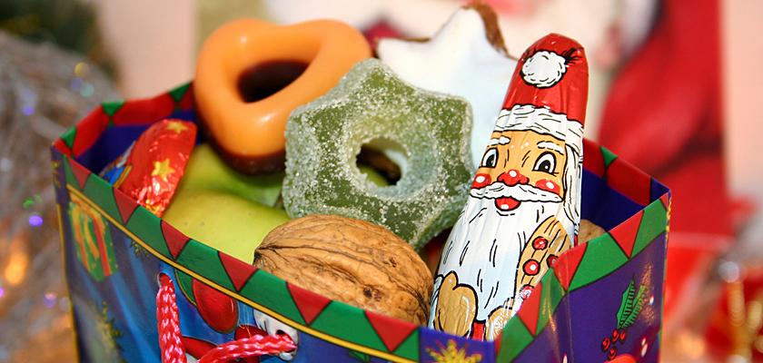 Adventskalender-Bild Nikolaus-Tüte Süßigkeiten Zuckerkringel Sterne
