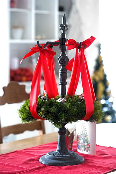 Weihnachten Adventskranz-Ständer roten Schleifen Tannenzapfen