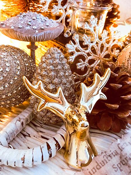 Weihnachts-Dekoration Hirsch Tannenzapfen Strass-Pilze Weihnachtskugeln gold