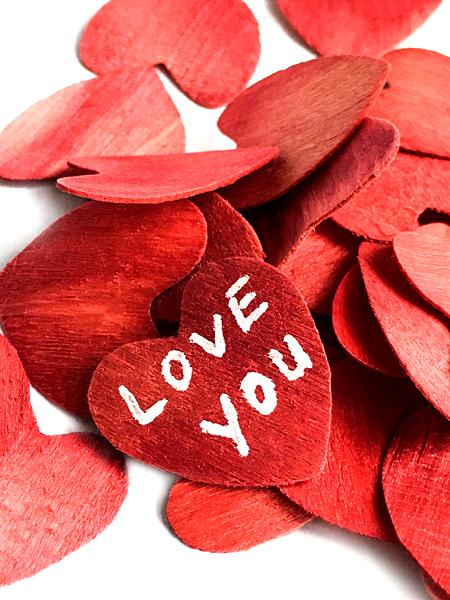 Rote Herzen Love you Schrift Liebe Valentinstag Hochzeit