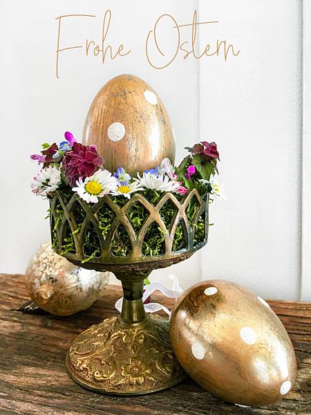 Goldene Ostereier alter Shabby Kerzenleuchter Gänseblümchen Frohe Ostern