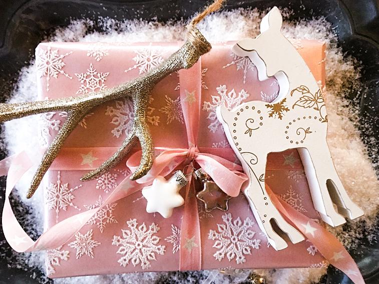 Weihnachtsgeschenk Reh Hirschgeweih Weihnachtskugeln