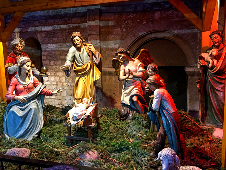 Weihnachten Krippe Dom Mainz Krippenfiguren