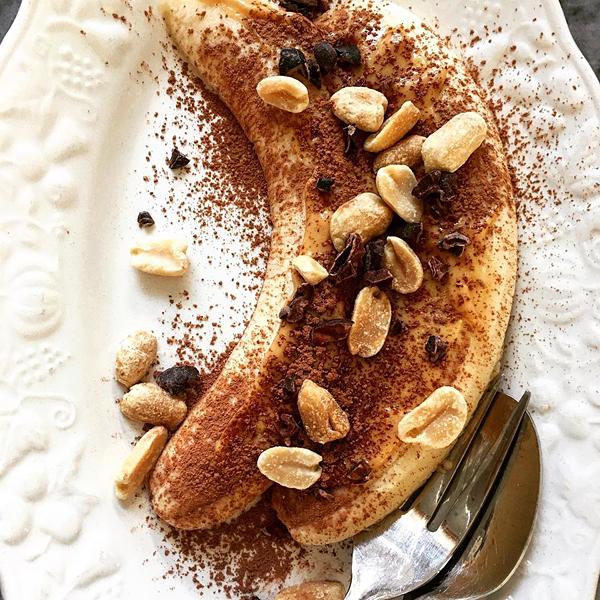 Bananensplit Dessert Erdnussmus Erdnüsse Erdnussbutter Kakaonibs
