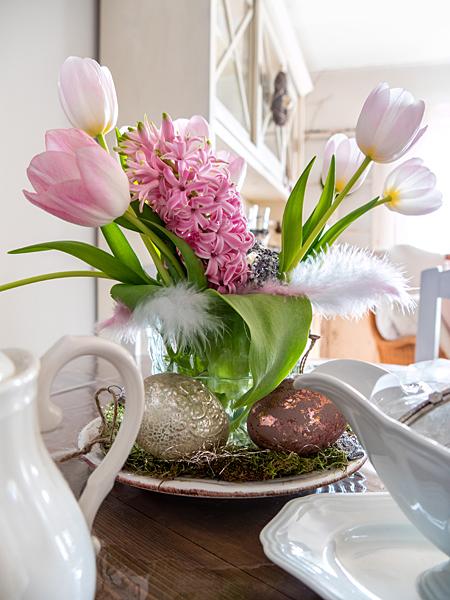 Ostern Ostereier Tulpen Hyazinthen Blumenstrauss Landhaus-Deko Shabby