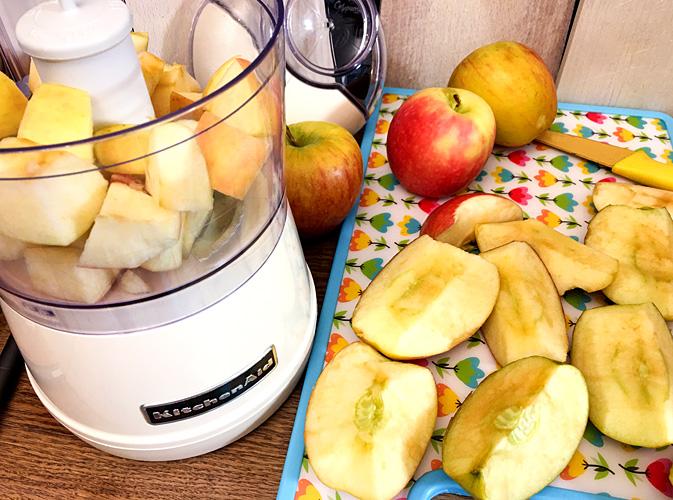 Rohkost Apfelmus herstellen Mixer Äpfel pürieren